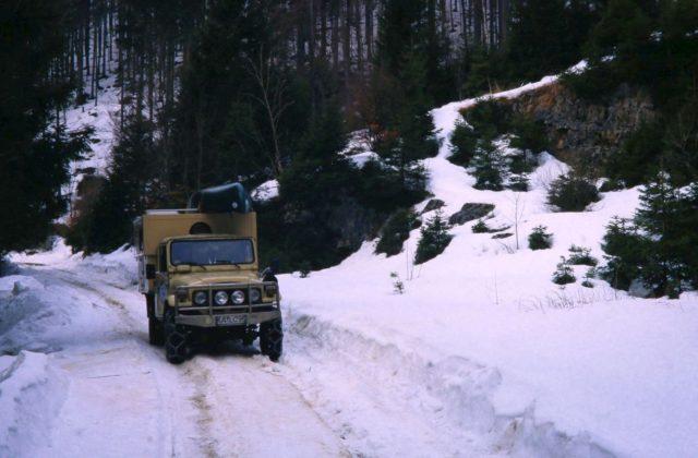 Slowenien Pickup freies Campen Wohnmobil Hubdach-koffer-Selbstausbau