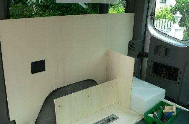Radkasten im Schrank im Wohnmobil Kastenwagen-Selbstausbauen
