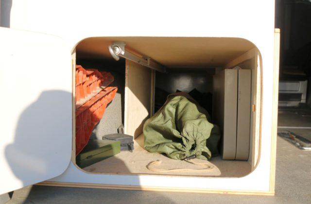 Staufach im Wohnmobil Kastenwagen-Selbstausbauen