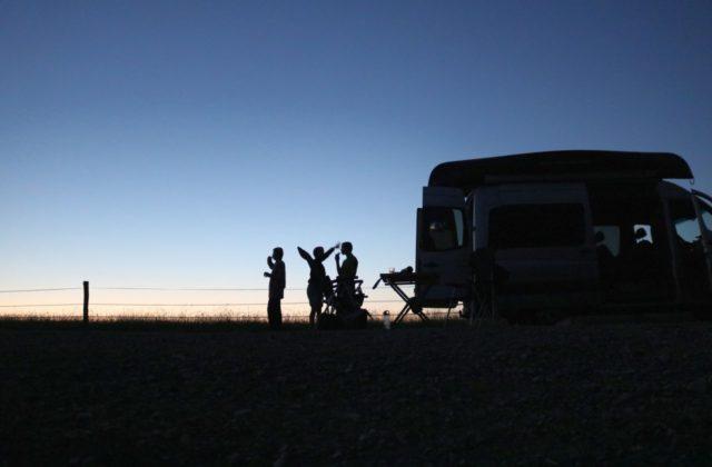 Abendstimmung freies Campen Wohnmobil Kastenwagen-Selbstausbau