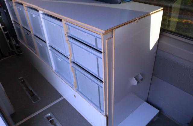 Schrank im Wohnmobil Kastenwagen-Selbstausbauen